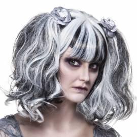 Perruque noire et blanche coiffée avec des couettes