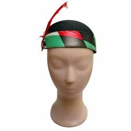Petit chapeau rond à motifs rouges, blancd et noirs