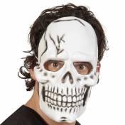 Masque en plastique d'une tête de mort blanche