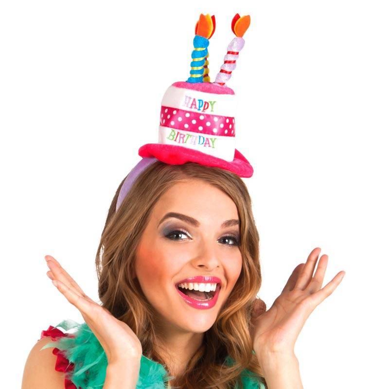 Serre-tête avec un chapeau en forme de gateau d'anniversaire