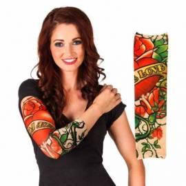 Manchon de tatouage avec un coeur et des roses