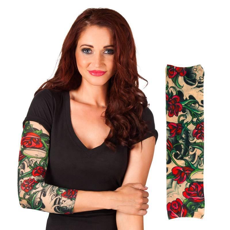Manchon de tatouage avec des roses rouges