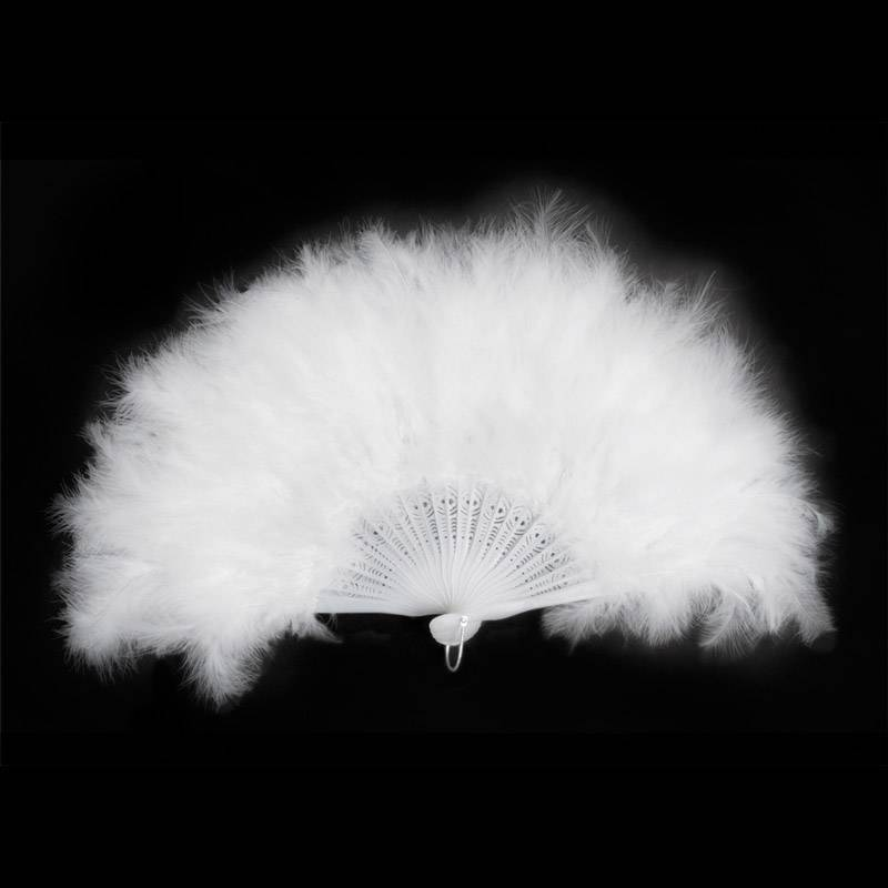Eventail en plumes blanches
